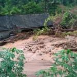 LONGSOR PONOROGO : Banjir Terjang Desa Banaran, 3 Rumah Hanyut dan Tertimbun Tanah