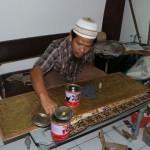KISAH INSPIRATIF : 2 Kendala Ini Hambat Pengembangan Kerajinan Kaligrafi di LP Madiun