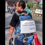 PILKADA JAKARTA : Lintasi Semarang, Pejalan Kaki Madiun-Jakarta Gegerkan Netizen