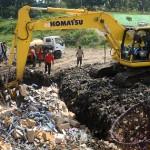 FOTO CUKAI TEMBAKAU : 23,5 Ton Rokok Ilegal di TPA Tanjungrejo