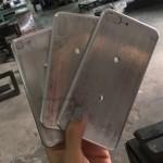 Tahun Depan, Apple Bikin Iphone Berbahan Logam?