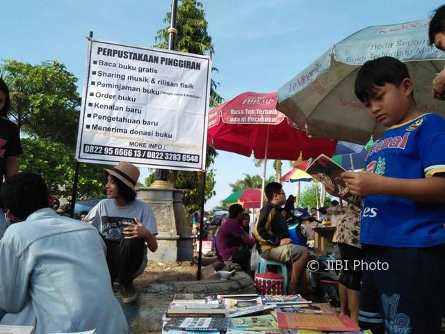 KISAH INSPIRATIF : Di CFD, 4 Pemuda Ponorogo Aktif Kampanyekan Gemar Membaca