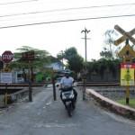 Sosialisasi di Pasar Nongko Solo, PT KAI: Terobos Palang Kereta Api Bisa Dipenjara!