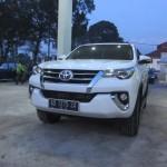 Mobil Toyota Fortuner warna putih yang menjadi kendaraan dinas Bupati Karanganyar. (Ponco Suseno/JIBI/Solopos)