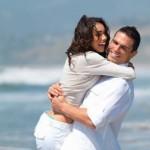 TIPS CINTA : Wanita Menikahi Pria Lebih Muda, Kenapa Tidak!