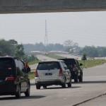 Sejumlah pengendara mobil melintasi ruas jalan tol Solo-Ngawi di Ngemplak, Boyolali, Jawa Tengah, Kamis (22/6/2017). (JIBI/Harian Jogja/Gigih M. Hanafi)