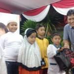 RAMADAN 2017 : Ketua DPRD Semarang Bagikan 1.000 Paket Kebutuhan Pokok