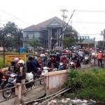 LALU LINTAS SEMARANG : Begini Keluh Kesah Pengguna Jalan yang Melintas di Perlintasan KA Ngablak