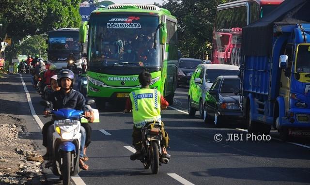 bus setop beroperasi Jakarta lockdown