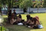 SEKOLAH ADIWIYATA : Membangun Kesadaran Lingkungan dari Sekolah