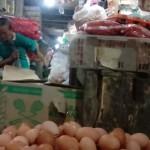 Harga Telur di Solo Turun, Bawang Putih Kembali Melejit