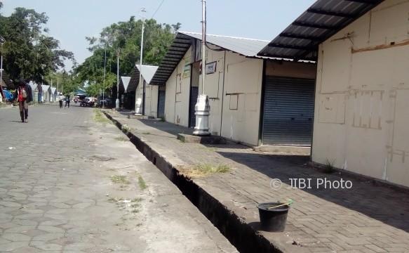 Buat Kios Darurat Pedagang Pasar Klewer Timur, Pemkot Solo Sewa Seluruh Alut