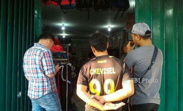 Sisir Toko di Solo, Polda Jateng Sita Ratusan Sepatu Merek Nike Palsu