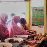 LIBUR LEBARAN 2017 : Wow, Penjual Jadah Tempe Memasak hingga 10 Kali dalam Sehari