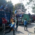 LIGA 2 : Ribuan Suporter PSIS Semarang Tiba di Stadion ManahanSolo