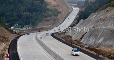 Ruas jalan tol Bawen-Salatiga, Jateng beranjak sepi, Senin (3/7/2017). (JIBI/Solopos/Antara/Aditya Pradana Putra)