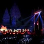 Suasana pada pagelaran Prambanan Jazz Festival di Yogyakarta, Sabtu (19/8). Prambanan Jazz Festival 2017 dimeriahkan segudang musisi ternama mulai dari grup musik dan penyanyi Indonesia hingga luar negeri. Bukan hanya musisi jazz, tapi juga dipadukan dengan musisi pop maupun rock. Ada empat artist besar luar negeri dan lokal ada sekitar 50 artist, Sedangkan untuk spesial show dimeriahkan oleh penampil utama yakni Sarah Brightman. (JIBI/Bisnis Indonesia/Nurul Hidayat)