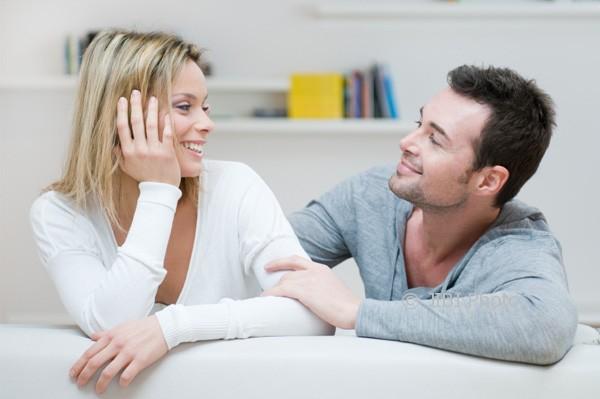 Foto ilustrasi: Untuk menjaga keharmonisan rumah tangga, suami istri harus mengalahkan ego mereka. (lilysbridal.com)