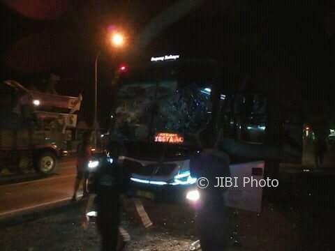 KECELAKAAN SRAGEN : Motor Dihantam Bus, Seorang Laki-Laki Tewas Seketika