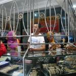 PENCURIAN SRAGEN : 2 Pencuri Bermotor Kuras 2 Kg Perhiasan Toko Emas Ragil Baru