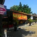 PKL SOLO : Kini Sudah Ramai, PKL Gerobak Kuning Minta Kembali ke Selter Sriwedari