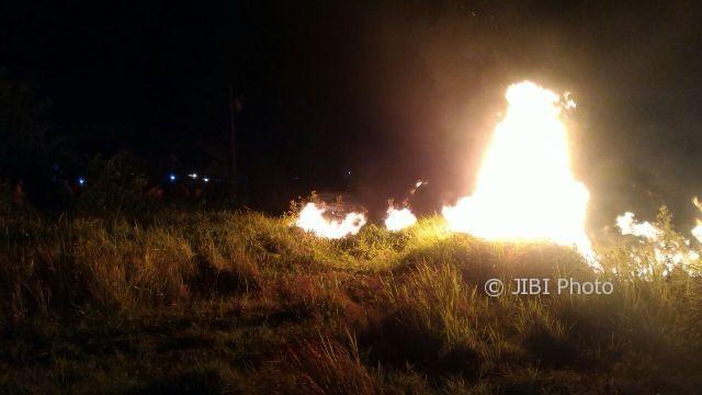 2 Hektare Lahan di Bukit Tapak Werkudoro Wonogiri Terbakar