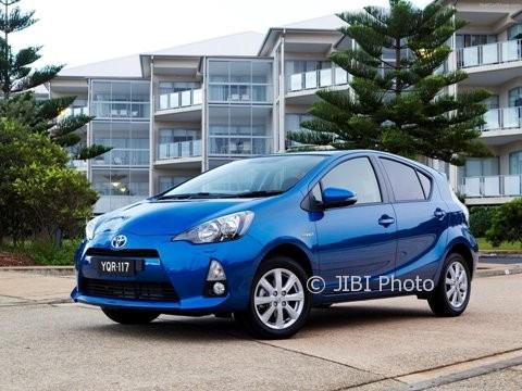 Toyota Pastikan Prius PHEV Masuk Indonesia