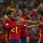 Para pemain Timnas Spanyol merayakan gol. (JIBI/REUTERS/Sergio Perez)