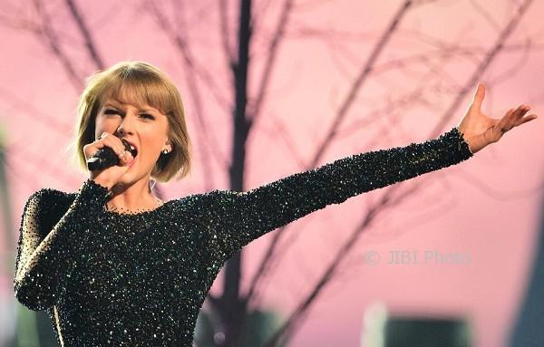 Dituding Plagiat, Taylor Swift Dituntut