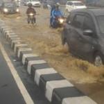 INFRASTRUKTUR SEMARANG : Fly-Over Jatingaleh Tergenang Banjir, Pemangku Proyek Dihujat
