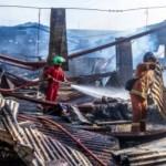 FOTO KEBAKARAN SEMARANG : Gudang Pabrik di Bergas Terbakar