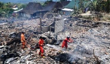 Permukiman warga di Desa Penawangan, Pringapus, Kabupaten Semarang, Jateng rata dengan tanah akibat kebakaran, Rabu (6/9/2017). (JIBI/Solopos/Antara/Aditya Pradana Putra)