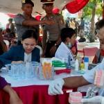 AKSI POLISI : Dokter-Dokter Calon Polisi Gelar Pengobatan Gratis di CFD Semarang