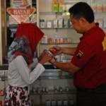 FOTO NARKOBA KUDUS : Polisi Razia Obat Berbahaya di Apotek