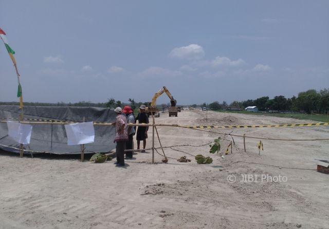 TOL SEMARANG-SOLO : Tuntut Pengembalian Akses Jalan Kampung, Warga Boyolali Blokade Tol