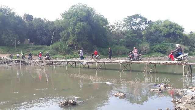 INFRASTRUKTUR SOLO : Berkah Penutupan Jembatan Mojo bagi Warga Semanggi