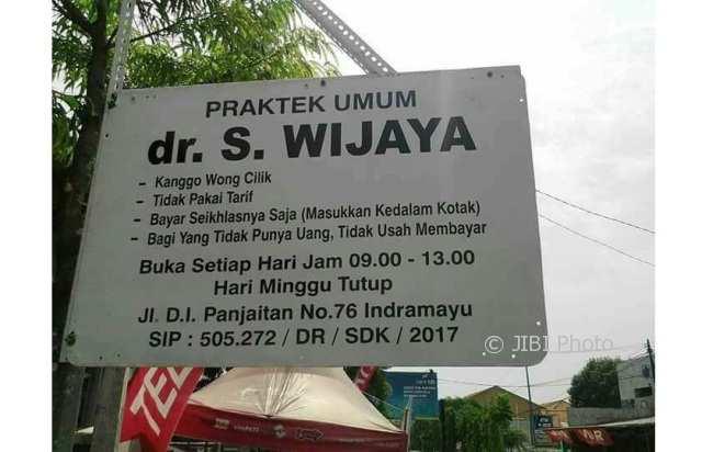 KISAH INSPIRATIF : Dokter di Indramayu Buka Praktik Kanggo Wong Cilik