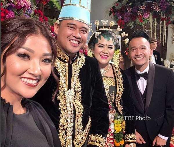 Serunya, Iriana Jokowi Izinkan Ruben Onsu dan Desta Selfie Bareng Kahiyang-Bobby