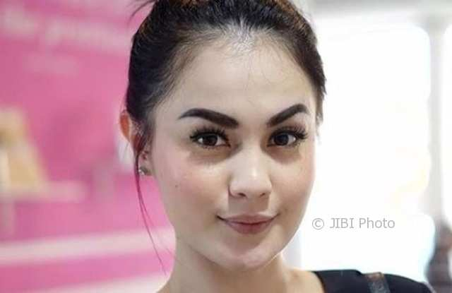 Jennifer Dunn (Pictagram) artis pelakor indonesia
