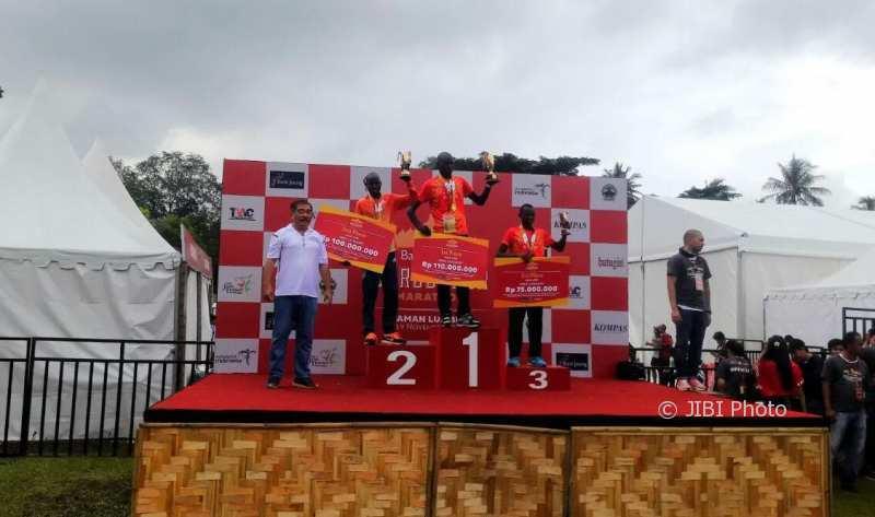 Pelari Kenya Rajai Semua Kategori, Ini Pemenang Bank Jateng Borobudur Marathon 2017