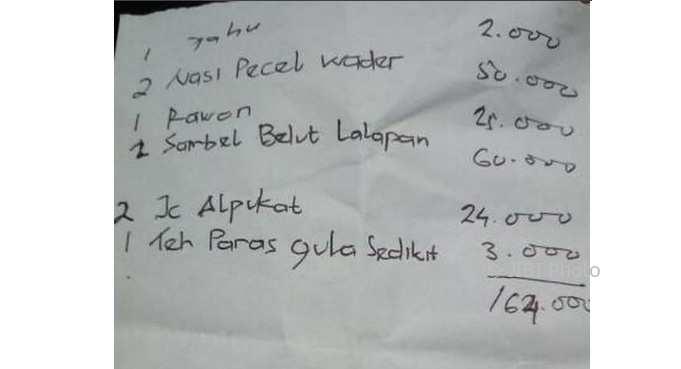 Makan Dekat Bandara Solo, Harga Pecel Rp25.000, Warganet: Dari Jemani?
