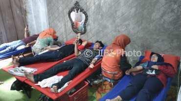 Kegiatan pendonoran darah OI Sragen di Krapyak, Sragen Wetan, Minggu (7/1/2018). (Kurniawan/JIBI/Solopos)