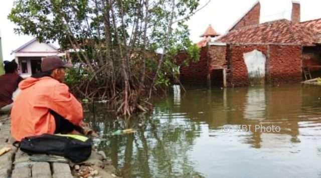 FENOMENA ALAM : Gerhana Bulan Total Berlalu, Pesisir Demak Masih Waspada Banjir Rob
