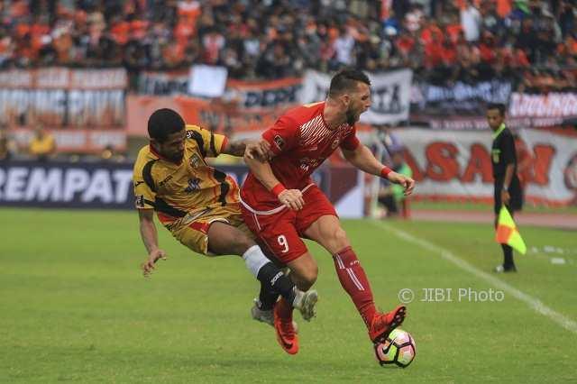 Cuplikan Ganasnya 2 Gol Marko Simic ke Gawang Mitra Kukar