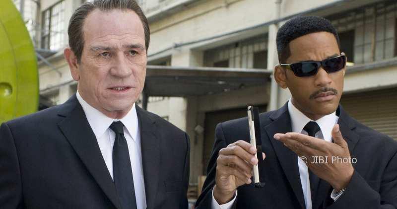 Bos Franchise Men in Black Incar Sutradara The Fate of the Furious