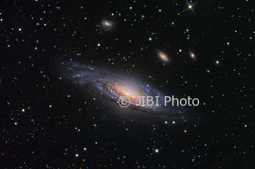 Teleskop Hubble Tangkap Penampakan Galaksi Spiral NGC7331