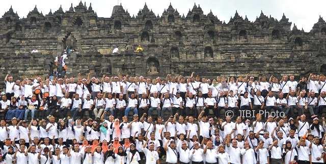 FOTO PILKADA 2018 : Di Borobudur, Bawaslu Bulatkan Tekad