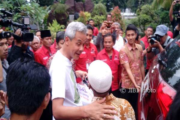 PILKADA 2018 : Kampanye Perdana, Ganjar Kunjungi Pati lalu Bertahun Baru Imlek di Lasem