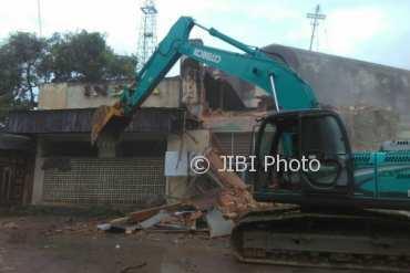 Pembongkaran bangunan bekas bioskop Indra di Jalan Malioboro, Rabu (28/3/2018). (Gigih M. Hanafi/JIBI/Harian Jogja)