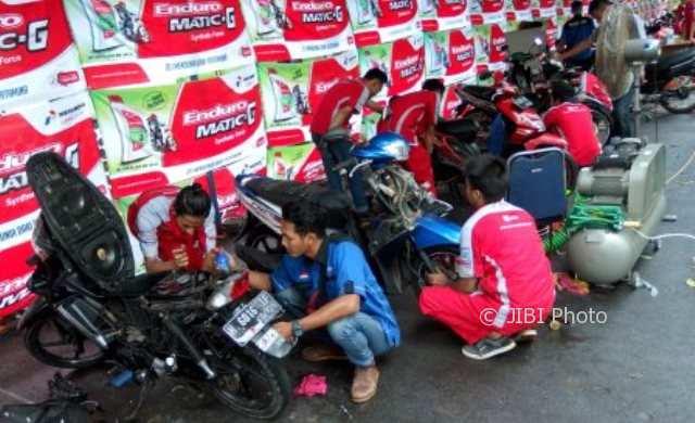 FOTO KAMPUS DI SEMARANG : Unnes Catatkan Rekor Servis Motor